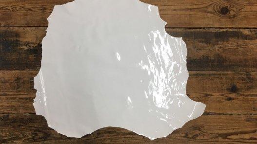 peau cuir agneau vernis blanc cuir en stock