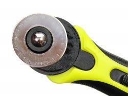 lame rétractable cutter rotatif pour découper des bandes et morceaux de cuir cuirenstock