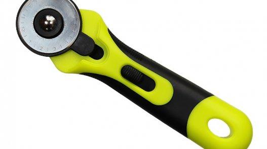 cutter rotatif pour découper le cuir Cuir en Stock