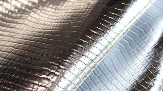 cuirenstock morceau de cuir argenté silver metallisé imitation croco