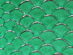 petite peau de tilapia cuirenstock maroquinerie et bijoux vert et doré