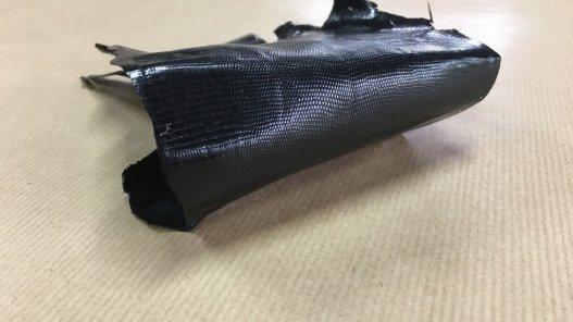 petite peau de cuir de lézard noir cuir en stock