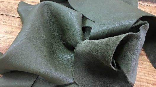 chutes de cuir de veau vert kaki cuir en stock