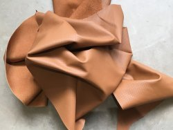 Demi-peau de cuir de vachette perforé camel Cuir en stock