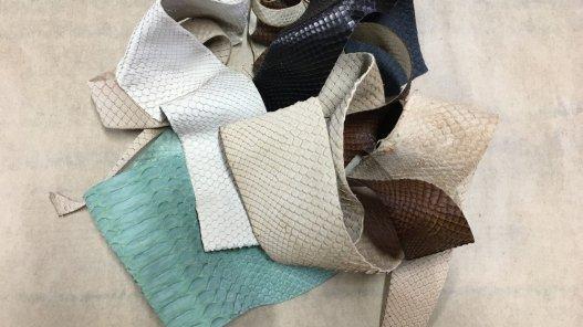 chutes de cuir de python véritable cuir en stock