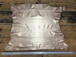 Peau de cuir d'agneau métallisé sablé or cuir en stock
