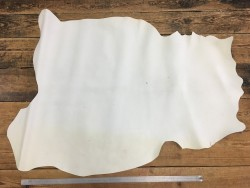 Demi peau de cuir de veau naturel cuir en stock