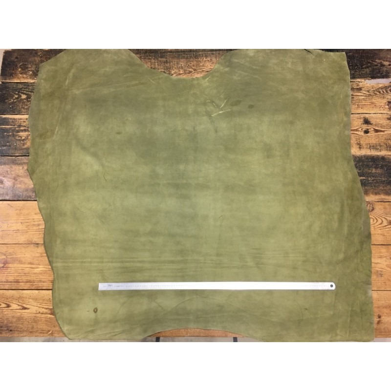 Veau velours vert kaki cuir en stock