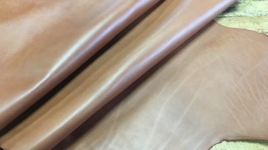 Demi-peau de cuir de vache naturel fauve brun maroquinerie cuir en stock