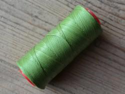 Bobine de fil polyester tressé et ciré vert clair couture main du cuir Cuirenstock