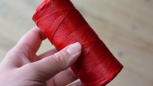 Fil poissé couture main du cuir qualité pro rouge Cuir en Stock