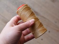 Fil ciré beige polyester 1mm travail du cuir couture outils Cuir en Stock
