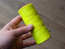 Fil ciré jaune fluo polyester 1mm coudre le cuir point sellier Cuir en Stock