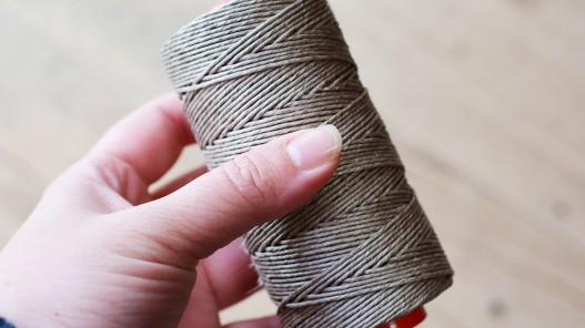 Bobine de fil de lin naturel torsadé qualité pro couture main maroquinerie Cuir en Stock