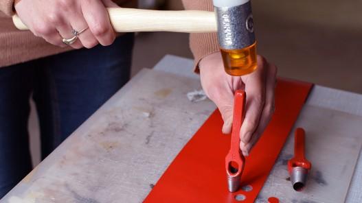 Emporte pièce à frapper 16mm rond manche arche et lame en acier qualité pro - Cuir en Stock