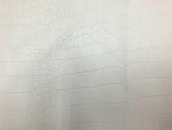Demi peau de cuir de vachette beige façon crocodile Cuir en Stock