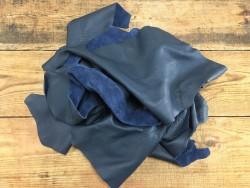 chutes de cuir de vache bleu orage maroquinerie ameublement cuir en stock
