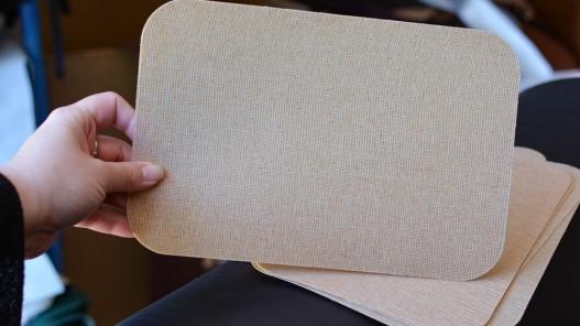 Comment rigidifier son sac et ses créations en cuir - Plaque de renfort - Cuir en Stock