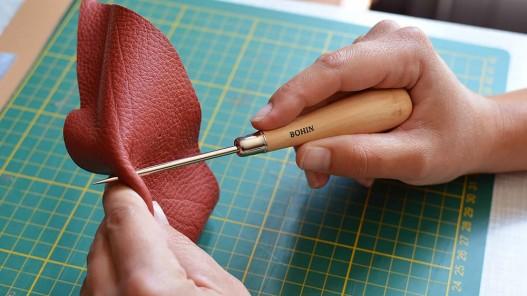 Poinçon acier rond et manche bois Bohin travail du cuir - Cuir en Stock