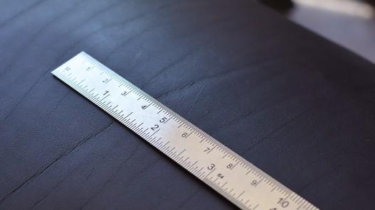 Réglet métal 30 cm pour les professionnels du cuir et maroquinerie - Cuir en Stock