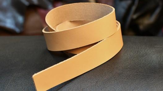 Bande de cuir 25 mm tannage végétal - Cuir en Stock