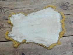 Peau de lapin en poil jaune moutarde - Maroquinerie et accessoires - Cuir en Stock