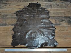 Peau de cuir de mouton façon serpent nuance de brun Cuir en stock