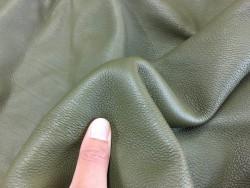 Demi peau de cuir de veau grainé vert kaki maroquinerie Cuirenstock