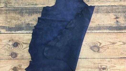Endroit envers peau de chèvre velours bleu marine cuir en stock