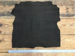 Peau de chèvre velours noir impression chevron cuir en stock