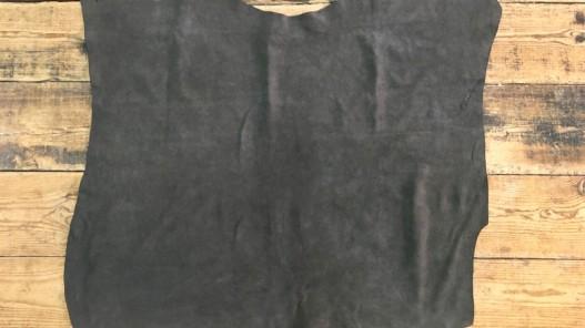 Peau de veau velours ciré huilé brun vintage Cuir en Stock