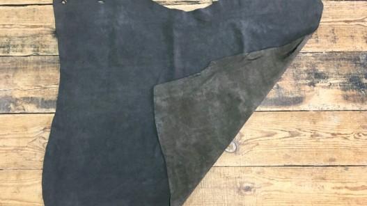 Endroit envers peau de veau velours ciré huilé brun vintage cuir en stock