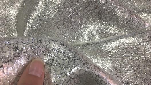 Détail cuir de chèvre métallisé blanc cassé argenté cuirenstock