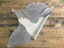 Endroit envers cuir de buffle gris beige nuancé maroquinerie cuir en stock