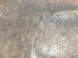 Cuir de buffle finition naturelle nuance de taupe brun cuir en stock