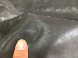 Cuir de buffle naturel gris sombre maroquinerie Cuir en stock