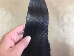 Peau de cuir de saumon gris anthracite Cuir en stock
