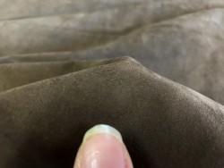 Fleur de peau de chèvre nubuck brun chocolat Cuir en stock