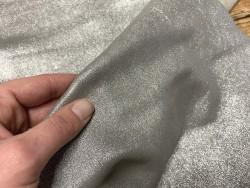 Détail peau chèvre velours paillette gris argent Cuirenstock