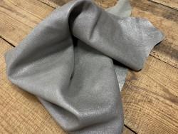 Peau chèvre pailleté gris argent maroquinerie Cuir en stock
