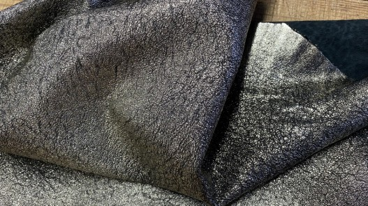 Cuir métallisé pailleté noir et platine Cuir en Stock