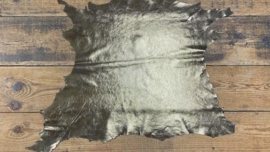 Peau de cuir de chèvre doré gold or accessoire bijoux maroquinerie cuir en stock