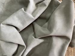 Souplesse du cuir de chèvre velours doux taupe beige Cuirenstock