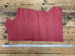 Demi-peau de cuir de veau lisse rouge cuir en stock