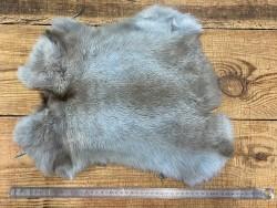 Peau de lapin en poil naturel bleu ciel Cuir en Stock
