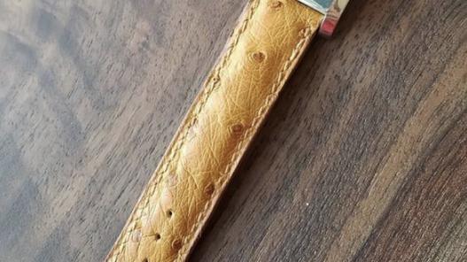Bracelet montre de luxe en cuir d'autruche Cuir en Stock