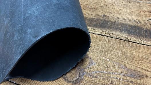 Cuir épais et raide collet de vache noir Cuirenstock