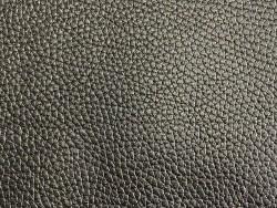 Cuir de taurillon noir togo pleine fleur maroquinerie de luxe Cuir en stock