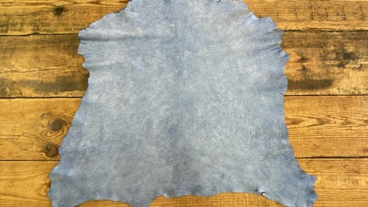 Peau entière de cuir de chèvre effet craquelé bleu océan Cuir en stock