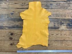 Peau de cuir de chèvre lavée jaune safran pastel maroquinerie Cuir en Stock